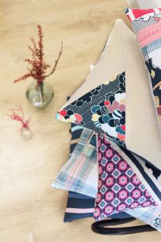 Art-Gallery-Fabrics_Dare_Pillow_3