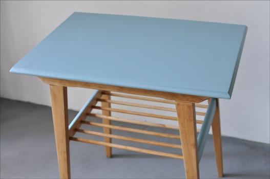 stolik niebieski 3